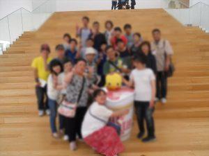 カップヌードルミュージアムでみんなで記念撮影!!
